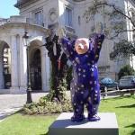 Guardián de la Fe, 2005. Osos de Berlin en Buenos Aires. Jardines del Museo Nac. de Arte Decorativo Buenos Aires